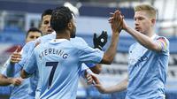 Raheem Sterling mencetak gol buat Manchester City saat berhadapan dengan Fulham dalam lanjutan Liga Inggris 2020/2021, Sabtu (5/12/2020). (AP Photo/Dave Thompson)