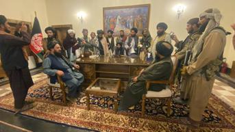 Taliban Sita Uang Mantan Pejabat Afghanistan Lantaran Kehabisan Uang