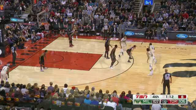 Berita video game recap NBA 2017-2018 antara Milwaukee Bucks melawan Toronto Raptors dengan skor 122-119.