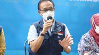 Direktur Utama (Dirut) RSUD Al Ihsan Dewi Basmala Gatot dan Ketua Harian Satuan Tugas (Satgas) Penanganan COVID-19 Jabar Daud Achmad saat menjadi pembicara dalam JAPRI (Jabar Punya Informasi) di Gedung Sate, Kota Bandung, Jumat (11/6/2021). (Foto: Dinkes Jabar)
