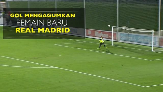 Video gol jarak jauh Sergio Diaz pesepak bola tim Real Madrid Castilla berusia 18 tahun dibuat pada laga Segunda B, Sabtu (3/9/2016).