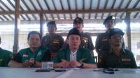 """""""Berdasarkan rapat koordinasi nasional yang dihelat pimpinan pusat gerakan pemuda Anshor, Mei lalu, disepakati dukung Jokowi-JK."""