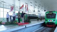 Kereta Api Bandara Yogyakarta International Airport atau KA Bandara YIA sudah mulai beroperasi pada hari ini, Jumat 27 Agustus 2021.