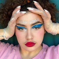 Sejumlah influencer hadir dengan kreasi makeup Stay Home yang viral di media sosial. (Foto: Instagram/ @disssgrace)