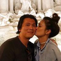 Lima tahun sudah hubungan asmara Luna Maya dan Reino Barack. Dalam postingan terbarunya, Luna Maya mengunggah foto-foto mesra dengan Reino saat liburan. (instagram/lunamaya)