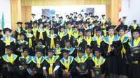 Sejak tahun 2000 sampai dengan wisuda hari ini Universitas Timor telah meluluskan 4591 sarjana dari berbagai disiplin ilmu