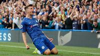 Pemain Chelsea Mount Mason melakukan selebrasi setelah mencetak gol ke gawang Leicester City dalam pertandingan Liga Inggris di Stadion Stamford Bridge, London, Minggu (18/8/2019). Pertandingan berakhir imbang 1-1. (AP Photo/Frank Augstein)