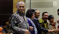 Ketua KPK Agus Rahardjo (kiri) didampingi Wakil Ketua KPK saat rapat dengar pendapat (RDP) dengan Komisi III DPR di Jakarta, Rabu (3/10). Rapat membahas pengawasan KPK di bidang pencegahan korupsi. (Liputan6.com/JohanTallo)