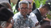 Buni Yani sebelum menjalani sidang praperadilan di Pengadilan Negeri Jakarta Selatan, Selasa (13/12). Sebelumnya pada Senin 5 Desember 2016, Buni Yani dan pengacaranya melayangkan permohonan praperadilan. (Liputan6.com/Helmi Affandi)