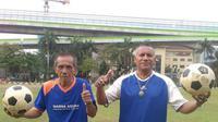 Kiper legendaris Timnas Indonesia, Yudo Hadianto (Kiri). (Abdi Satria/Bola.com)