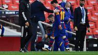Ronald Koeman berharap Lionel Messi bertahan karena tak ada lagi pemain yang bisa cetak banyak gol (AFP)