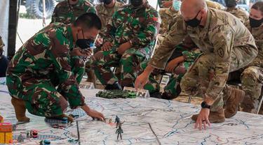 TNI Angkatan Darat dan US Army.