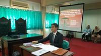 Duta Besar Indonesia untuk Ukraina Yuddy Chrisnandi lulus ujian skripsi kuliah Strata 1 Fakultas Hukum Universitas Nasional (Unas). (Istimewa)
