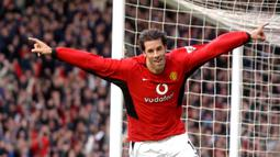 1. Ruud van Nistelrooy - Pemain asal Belanda ini merupakan salah satu striker terbaik yang pernah dimiliki Manchester United. Ketajaman Nistelrooy terbukti lewat torehan 150 gol dari 219 laganya bersama Manchester United. (AFP/Paul Barker)