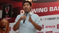 Ketua SC, Maruarar Sirait saat mengikuti Drawing Babak 8 Besar Piala Presiden 2017 di Park Lane, Jakarta, Selasa (21/2/2017). (Bola.com/Nicklas Hanoatubun)
