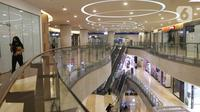 Suasana mal kuningan city, Jakarta, Selasa (10/8/2021). erpanjangan PPKM Level 4 di mall pengunjung diwajibkan mematuhi protokol kesehatan, melakukan scan barcode dengan aplikasi Pedulilindungi dan memperlihatkan sertifikat vaksin COVID-19. (Liputan6.com/Herman Zakharia)