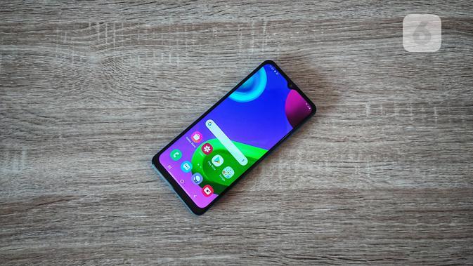 Smartphone Samsung Galaxy M02. Liputan6.com/Mochamad Wahyu Hidayat