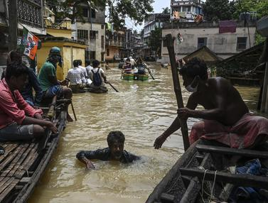 Banjir Parah Akibat Hujan Lebat di Kolkata
