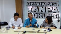 Pakar Hukum Tata Negara Saldi Isra memberikan keterangan saat bedah buku miliknya, Jakarta, Selasa (18/10/2016). (Liputan6.com/Helmi Afandi)
