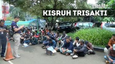 Menristekdikti Mohamad Nasir mendatangi kampus Trisakti bertemu dengan pihak-pihak yang bertikai di kampus tersebut