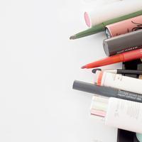 Sambil bersabar mengoleksi produk makeup, maksimalkan saja dulu yang ada. Sebab, beberapa produk bisa digunakan untuk berbagai fungsi.