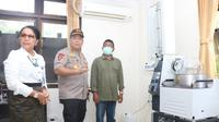 Gandeng Unud, Polda Ekstrak Arak Bali Jadi Hand Sanitizer