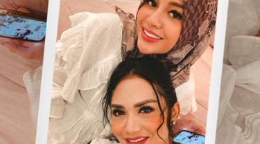 Krisdayanti, Aurel Hermansyah dan Atta Halilintar (Instagram/krisdayantilemos)