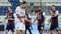 Zlatan Ibrahimovic mencetak dua gol kemenangan AC Milan atas Cagliari pada laga pekan ke-18 Serie A di Sardegna Arena, Selasa (19/1/2021) dini hari WIB. (AFP/Alberto Pizzoli)
