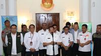 Menteri Dalam Negeri Tito Karnavian dalam jumpa pers bersama Gubernur Jawa Barat Ridwan Kamil di Bandung, Rabu (18/3/2020).