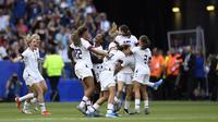 Timnas Amerika Serikat berhasil menjuarai Piala Dunia Wanita 2019, setelah dalam laga final menang 2-0 atas Belanda di Parc Olympique Lyonnais, Minggu (7/7/2019) malam WIB. (AFP/CHRISTOPHE SIMON)