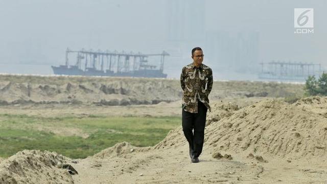 Foto Rapor Merah dan Biru Anies Baswedan Selama Setahun Pimpin Jakarta