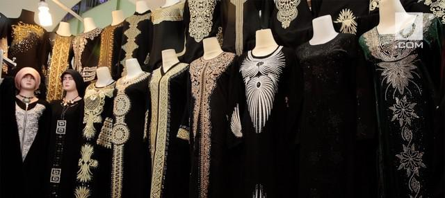 Beberapa jenis baju muslimah ini jadi tren saat memasuki bulan Ramadan tahun 2018.