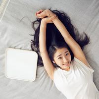 Kebiasaan merawat kecantikan ini tak boleh dilewatkan kalau ingin bangun tidur dalam keadaan cantik. (Foto: unsplash.com)