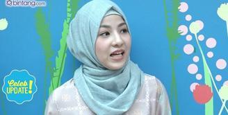 Natasha Rizki sempat pergi ke Singapura dan meninggalkan kedua anaknya di rumah bersama Desta dan Ibunya.