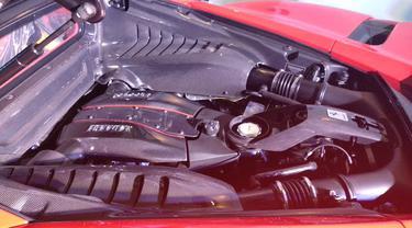 Mesin Ferrari 488 Pista