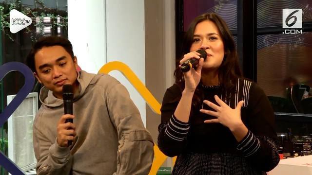 Raisa dan Dipha Barus mampir ke KLY Lounge untuk memperkenalkan single baru mereka 'My Kind of Crazy'. Raisa ternyata sempat ditantang nyanyi dangdut loh.