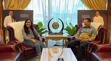 Ketua MPR Ngevlog bareng Ayu TIng Ting