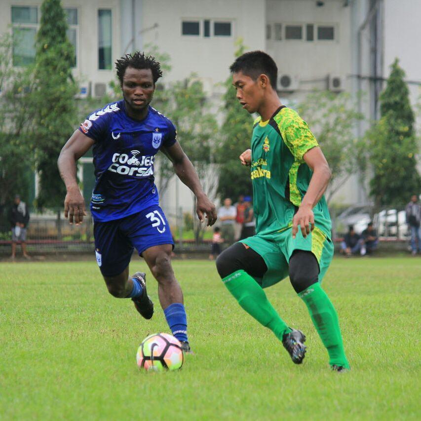 Ibrahim Conteh menjadi rekrutan asing kedua PSIS Semarang. (instagram/psisfcofficial)