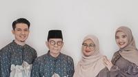 Zaskia Sungkar, Irwansyah, dan kedua orangtua. (Foto: Instagram @zaskiasungkar15)