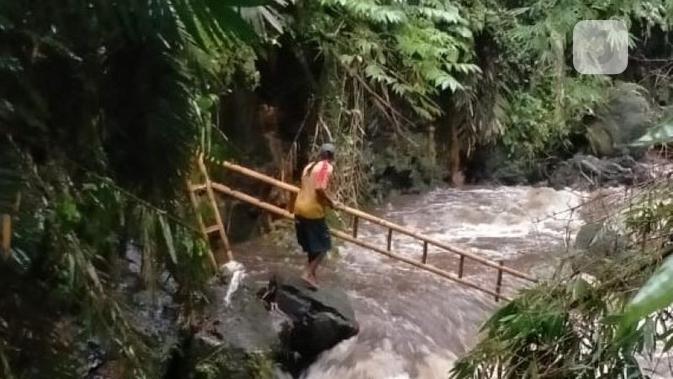 Kegiatan susur Sungai SMP Negeri 1 Turi Sleman yang berakhir tragis. (foto: Liputan6.com/BNPB/edhie prayitno ige)