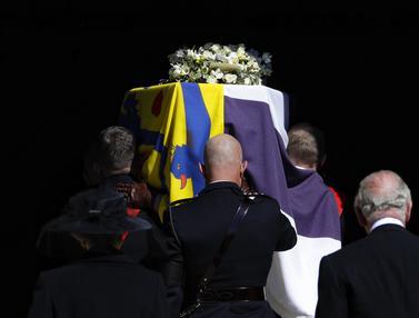 Melihat Prosesi Pemakaman Pangeran Philip