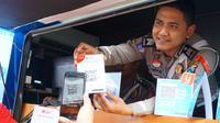 Cara Praktis Bayar SIM dan SKCK di Polrestabes Surabaya (Dian Kurniawan / Liputan6.com)