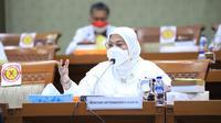 Menaker Ida dalam rapat kerja dengan Komisi IX DPR RI di Kompleks Parlemen, Jakarta