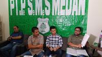 PT Pesemes Medan selaku pemilik hak eksklusif atas logo dan merek PSMS meminta PT Kinantan Medan Indonesia untuk mundur dari manajemen klub. (Bola.com/Zulfirdaus Harahap)