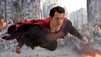 Neal Adams beberkan hal-hal janggal dalam dua film Superman terakhir, yaitu Man of Steel dan Superman Returns.