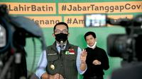 Gubernur Jawa Barat Ridwan Kamil saat menggelar jumpa pers terkait PSBB tingkat provinsi di Gedung Pakuan, Kota Bandung, Sabtu (2/5/20). (sumber foto : Humas Pemprov Jabar)