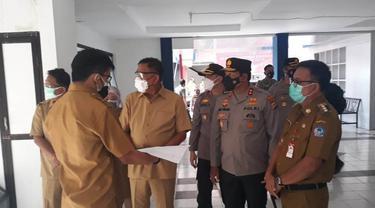 Gubernur Sulut saat meninjau kesiapan RS Darurat Covid-19 di Kota Bitung.