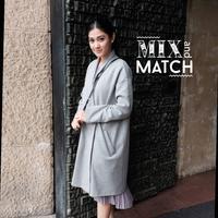 Simpel dan less-formal, kombinasi yang perfect untuk off-duty outfit. (Sumber foto: naymirdad/instagram)