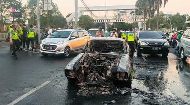 Kebakaran Ford GT500 Eleanor (Instagram/tmcpoldametro)