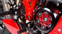 Ilustrasi kopling kering pada sepeda motor (Foto: Motorcycleusa.com)